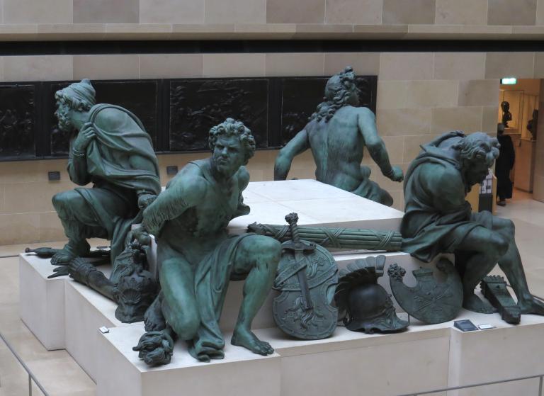 Escultura de los cuatro cautivos